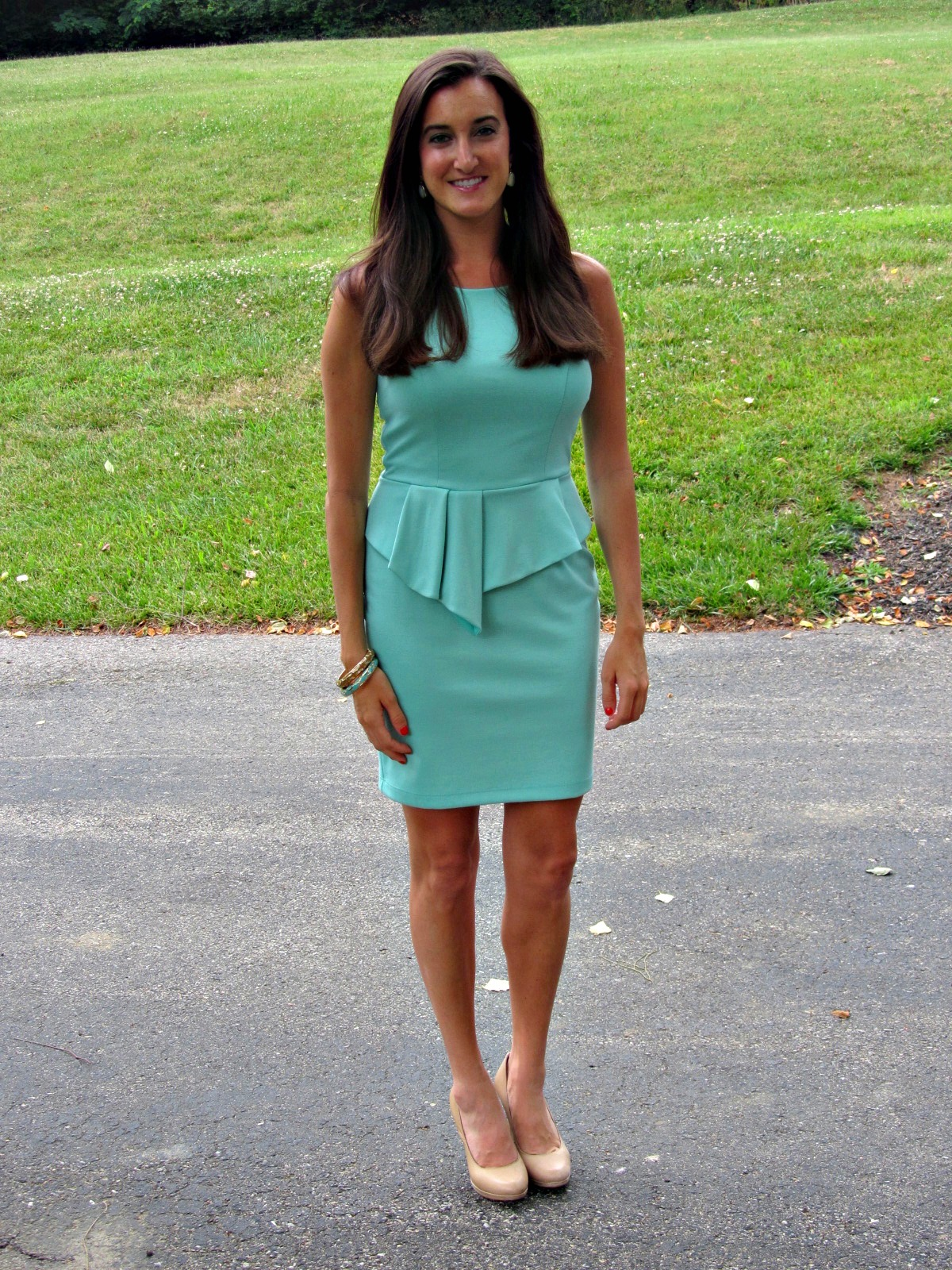 What color shoes with a mint dress