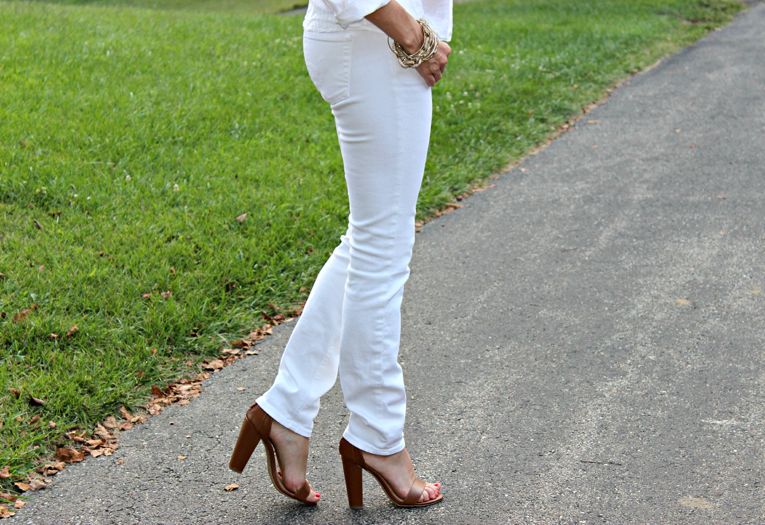Adriano Goldschmied White Jeans, Bamboo Senza 01 Chestnut Heels