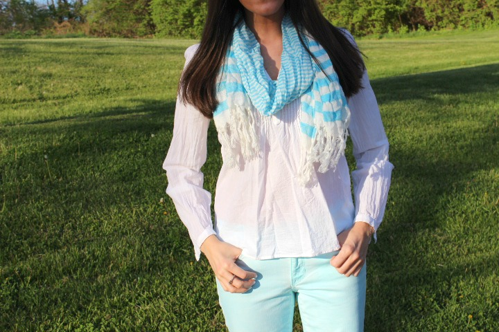 Gap Skinny Jeans with White H&M Blouse