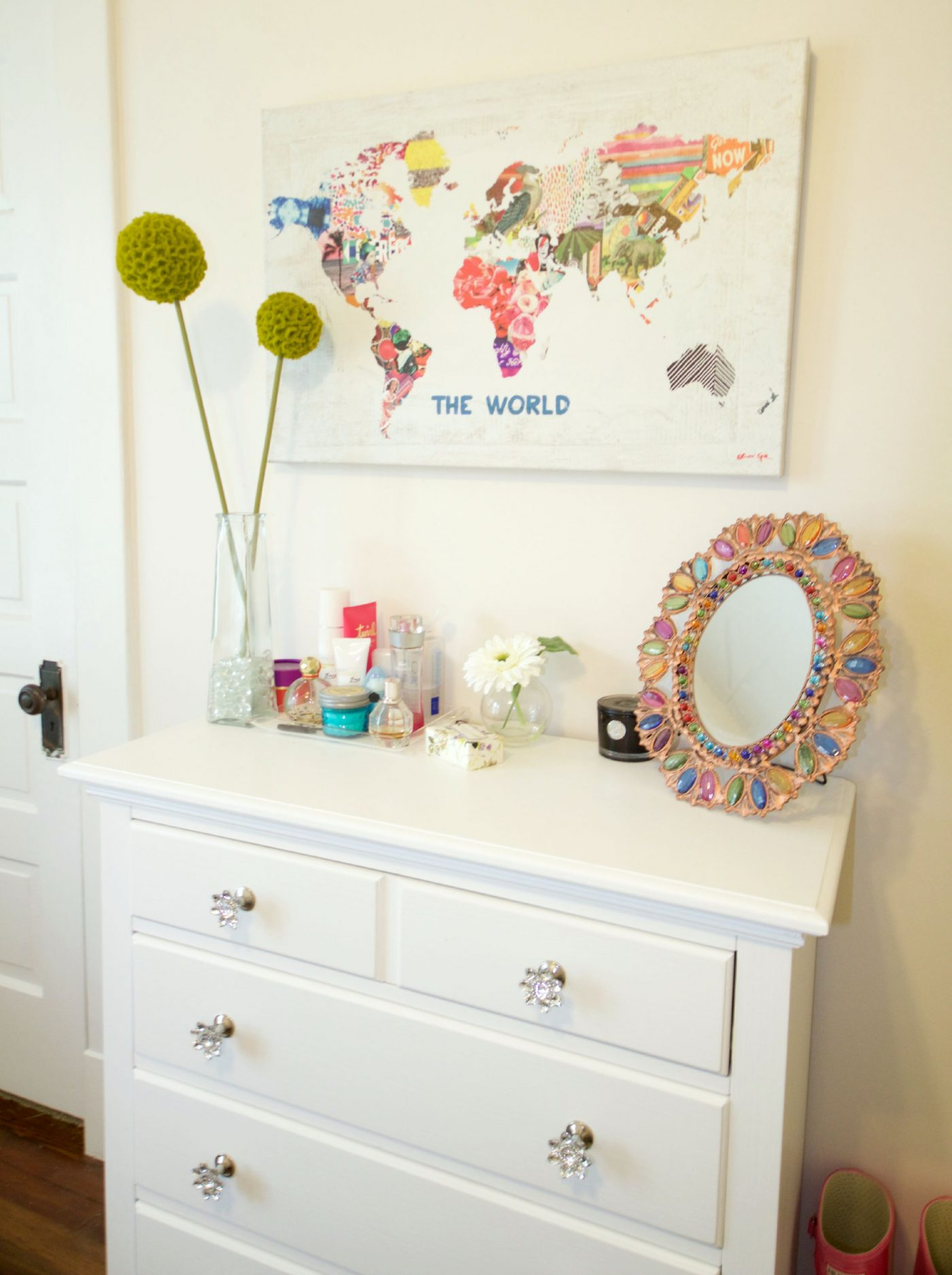 How to Decorate a White Dresser