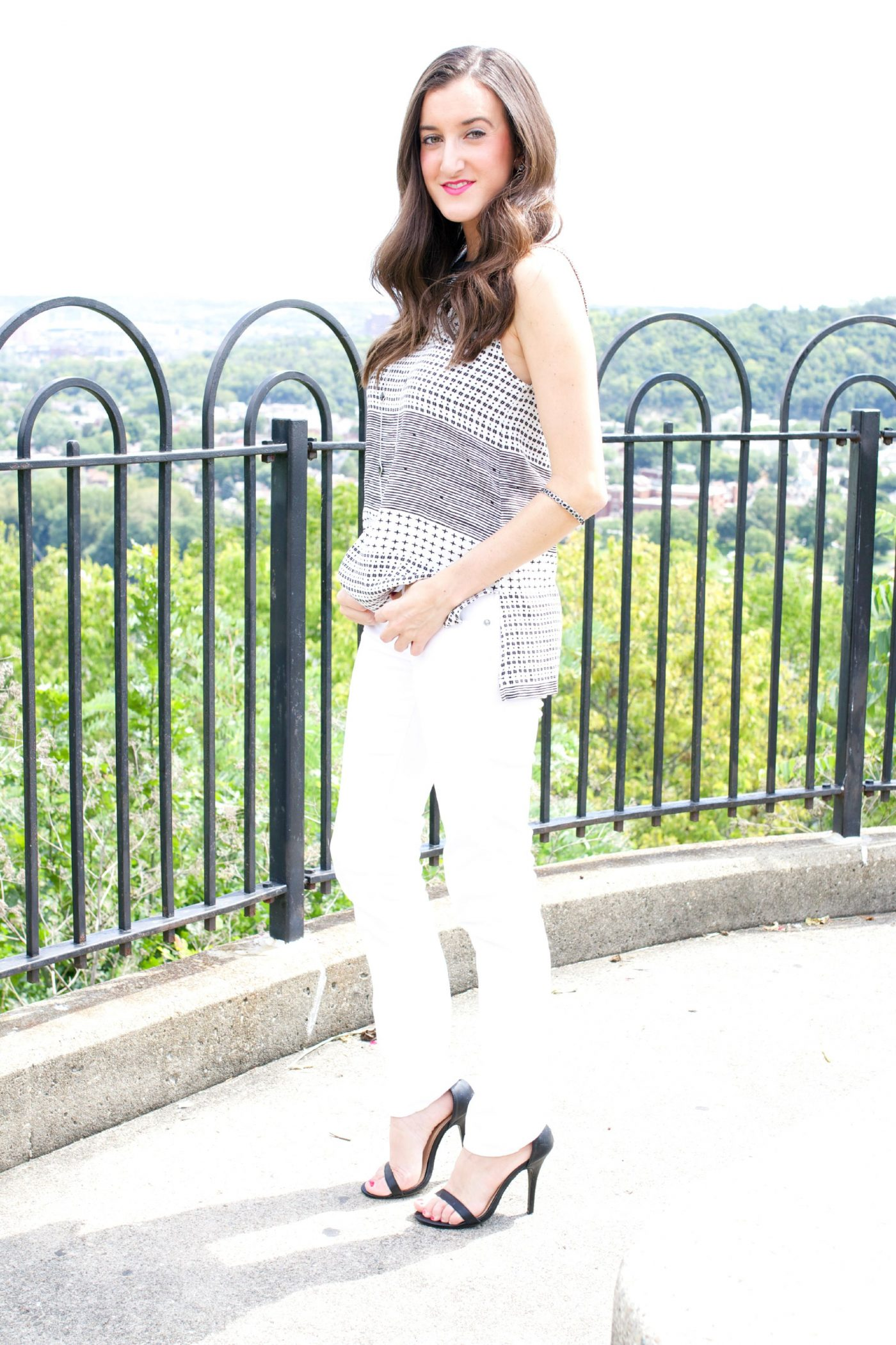 White Skinny Jeans Madewell Hashtag Top