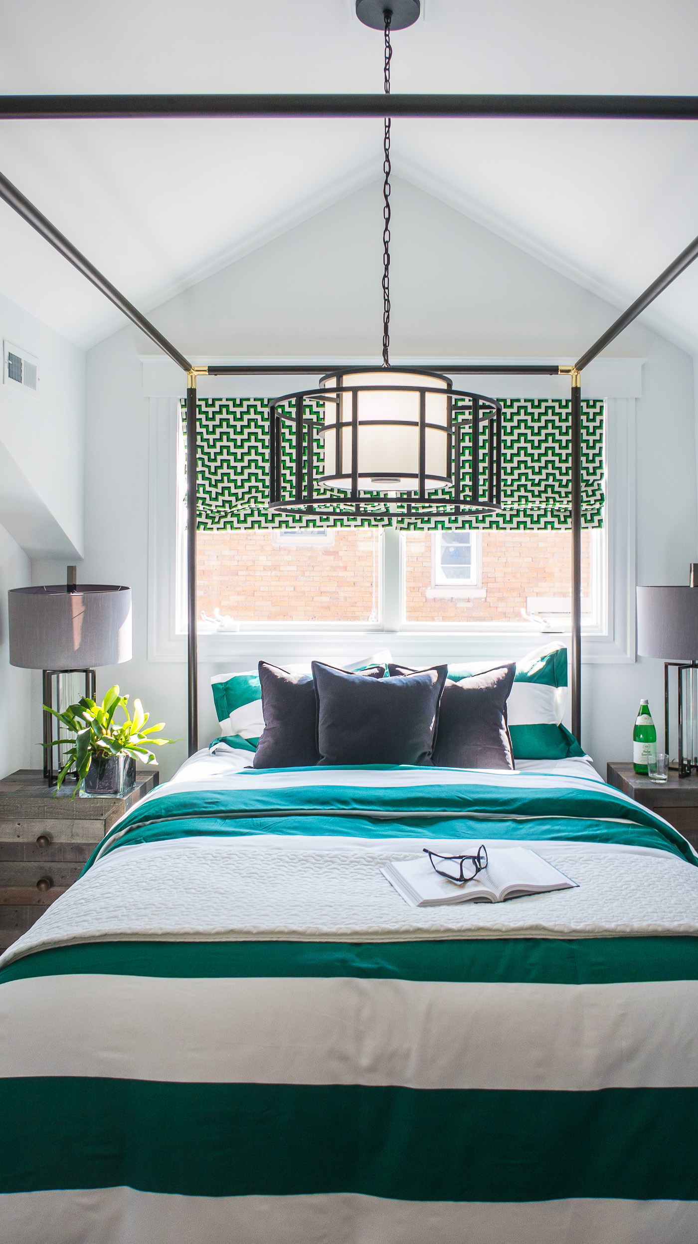 Black White and Green Bedroom Ideas