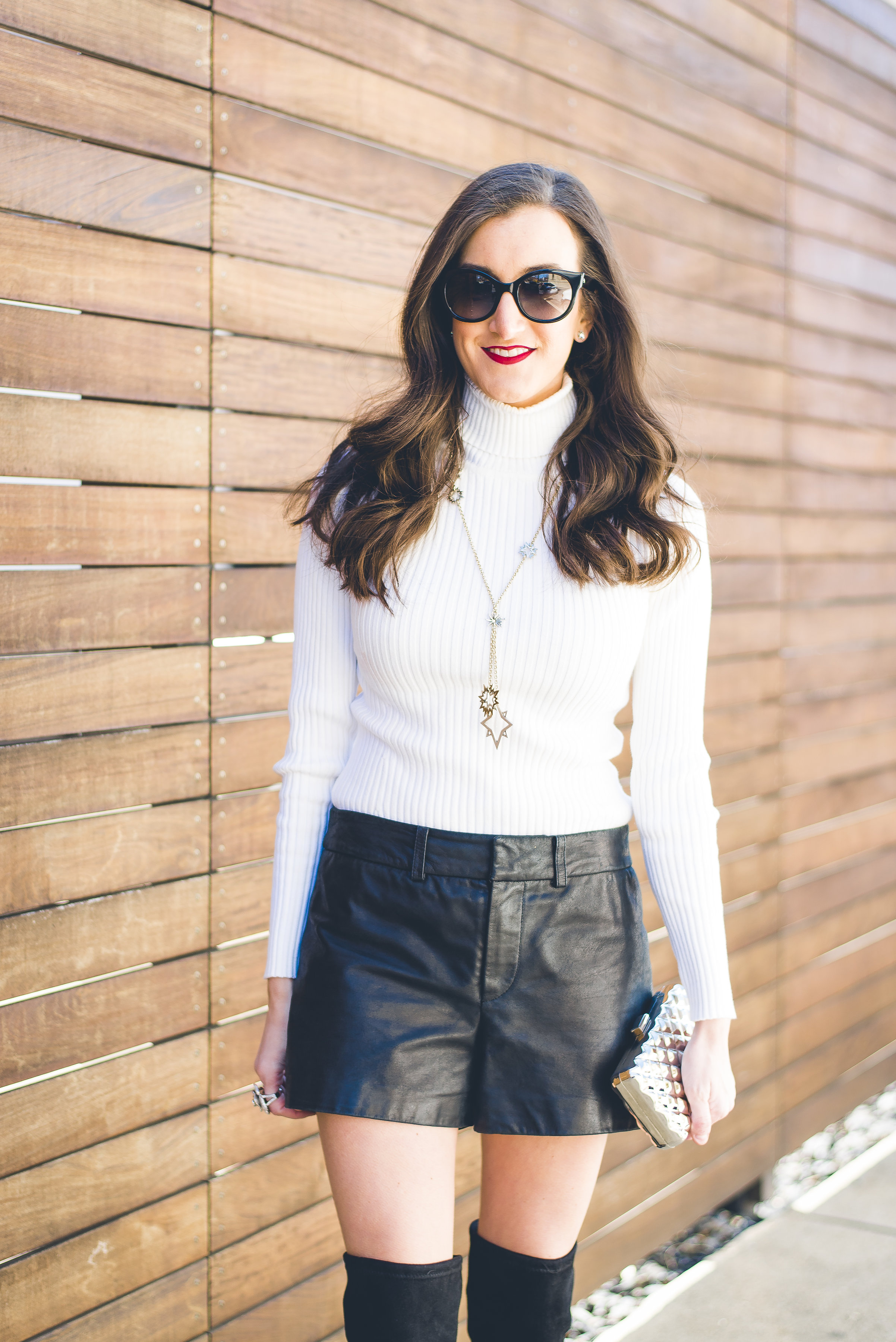 winter outfit ideas for women that are white and black