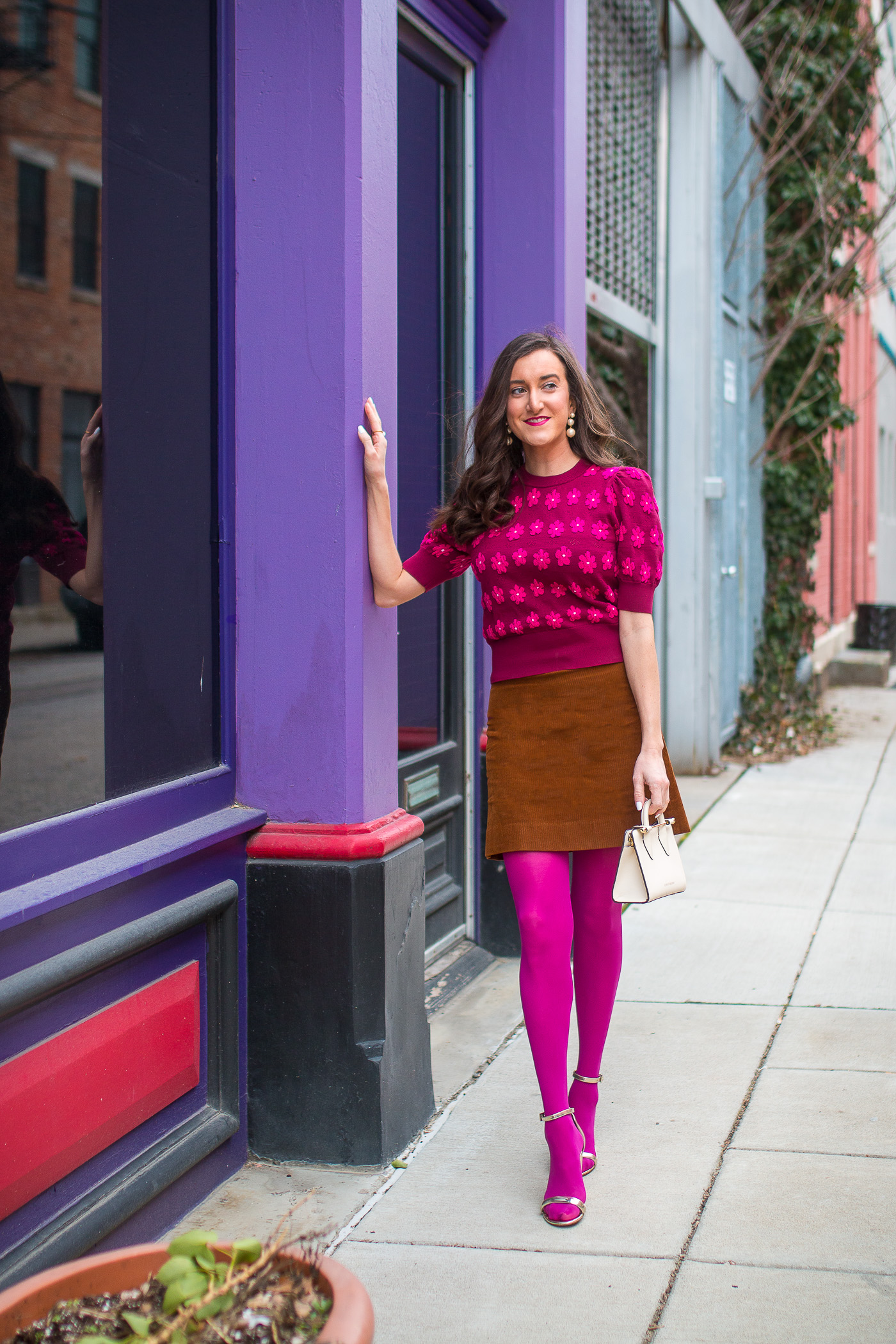 How To Wear Pink Tights