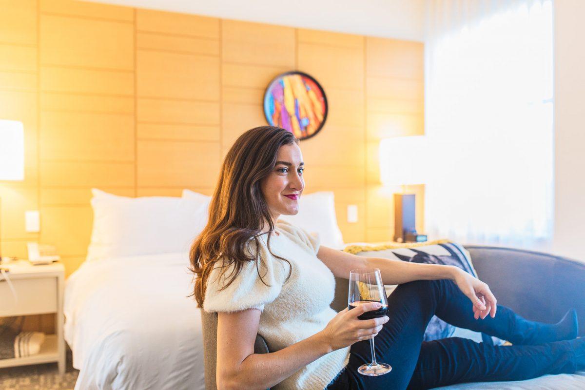 Cincinnati blogger Olivia Johnson at 21c Musuem Hotel Cincinnati