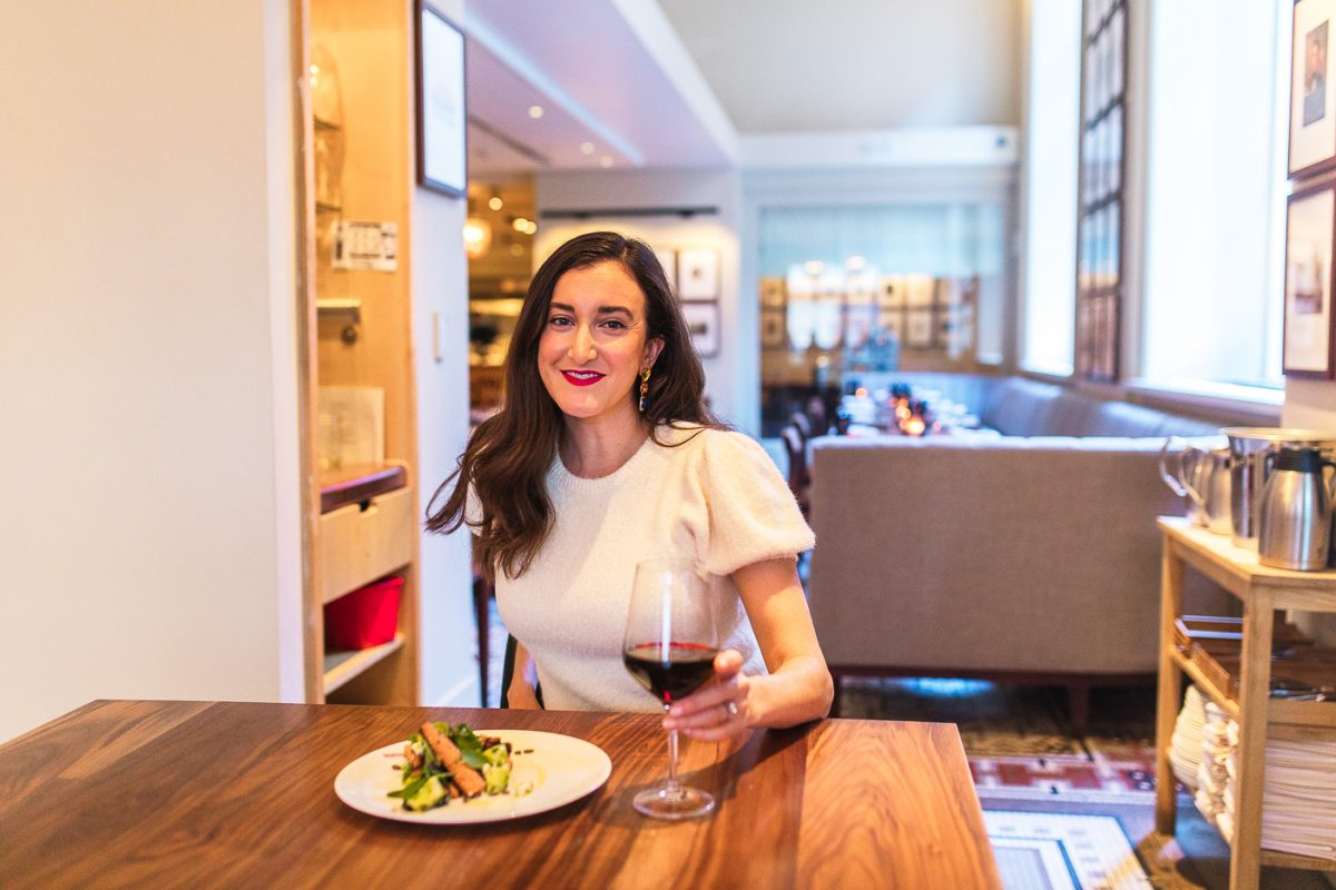 Cincinnati blogger Olivia Johnson at Metropole in 21c